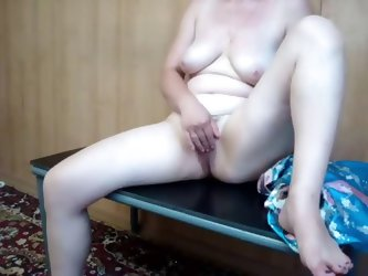 Amateur MILF first time masturbation video. The mature wife got comfortable in her sexiest kimono and filmed herself posing and touching her pussy. Sh
