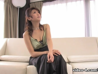Runa Sezaki Gets Cum In Mouth After Handjob - Avidolz