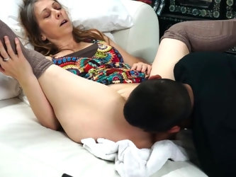 Masturbating Squirt in Guys Mouth