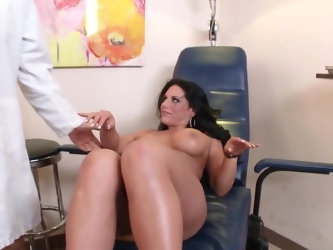 Stunning MILF wants doctor to improve her outlook and specialist begins by eating her pussy from behind. His skills in pussy licking are pretty good s
