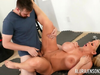 MILF Alura Jenson drops on her knees to give head and rides