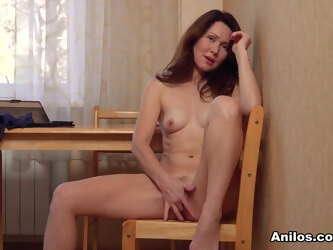 Ptica in Pretty Pleaser - Anilos