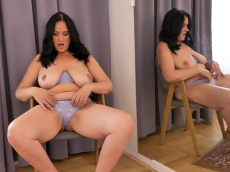 Ria Black likes watching herself in the mirror while masturbating