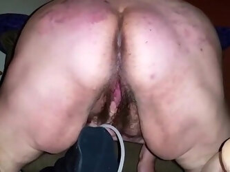Fat mom cum with huge pussy toy