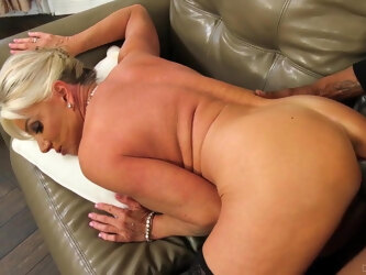 Blonde GILF Interracial BBC Sex