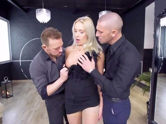 Fantastic MILF porn in scenes of flawless threesome