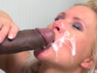 Quickie fucking in the living room between a black man and Kathy Anderson