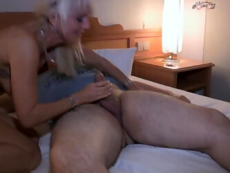 First Sex for Young Boy with Hot Milf - Kop