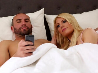 Swinger couples have kinky foursome - Jessie Lee Pierce and Blake Wilde