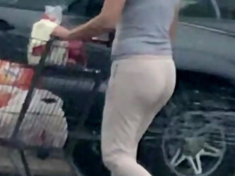 Mature grocery store ass candid