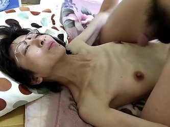 Mature wife Miyuki pants painfully with rich SEX