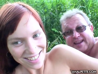 Amateur mature photographer gets his dick pleasured by Theresa