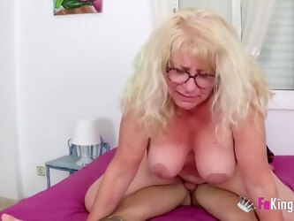 Kinky, elderly blonde likes to fuck only younger guys and to suck their fresh cocks