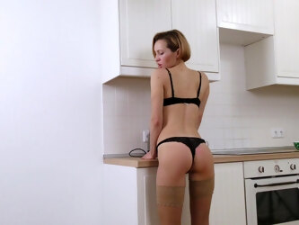 Small breasts Alice Wonder enjoys pleasuring her cunt in the kitchen
