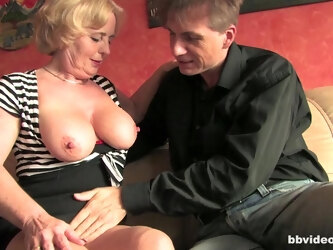 Mature sluts from Germany love to be fucked by large dicks