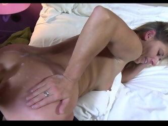 Lisa BLUE gets ejaculated on her big ass