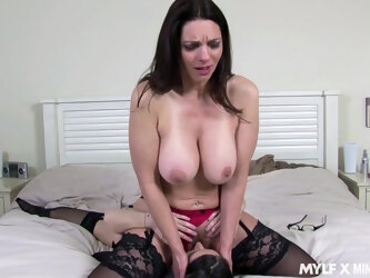 Tall curvy MILF seduces a lovely young woman into having hot lezzie sex