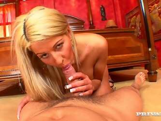 Homemade video of a younger guy fucking mature Cindy Love