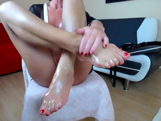 Amateur webcam big boobs mature solo footfetish with oil