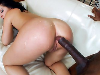 Madelyn Monroe is so young and new to the industry. She is still fresh and her pussy is still tight. But when she jumped into the Adult field she want