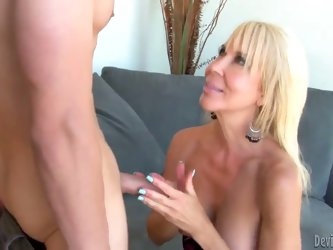 Funny mature bitch Erica Lauren walks naked outside and demonstrates her big boobs. She likes to be fucked and she made love with her friend. She star