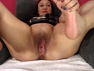 Feet, soles, mature chubby Latina mom has a huge pussy