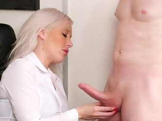 Aroused blonde fucked the new guy after a short interview
