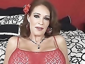 Little Toy Makes Busty MILF Charlee Chase Cum