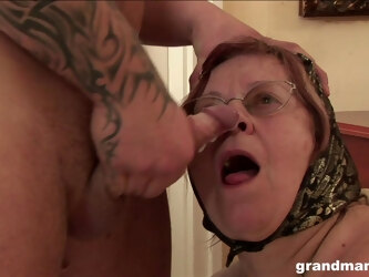 Muscular dude with tattoos loves fucking old pussy of his neighbor