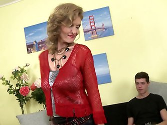 Mature housewife has a threesome