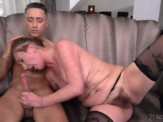 Handsome stud enjoys fingering and fucking hairy pussy of Elizabeth