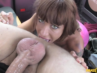 Slutty Brirish lady Suhaila Hard gives blowjob and a rimjob