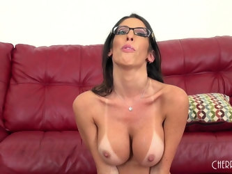 Horny pornstar Dava Foxx with glasses rides a lucky gentleman