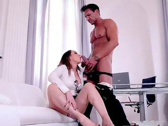 Hot office MILF amazes with how dirty she can fuck