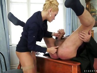 Chary Kiss is a very strict boss but she is ready to do everything to make her clients satisfied. Even suck his cock. And she always brings them to ex