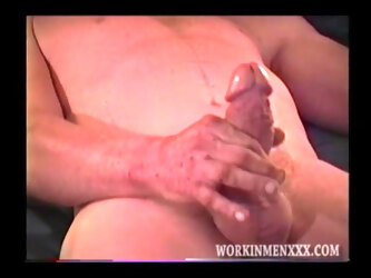 Mature Amateur Lee Beating Off
