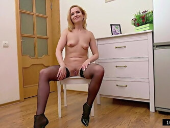 41yo Russian Single Mommy Alika - 2021 interview and fuck