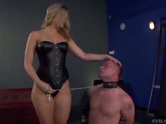 Bombshell blonde Alexis Texas is one hot looking and merciless domina, holding Jeremy Conway in a leash and making him show his admiration for her per