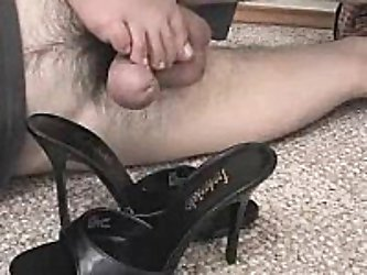 Great homemade fetish video of experienced lady giving a skillful foot job to foot fetish fiend at home, crushing his hot wang between her heel and he