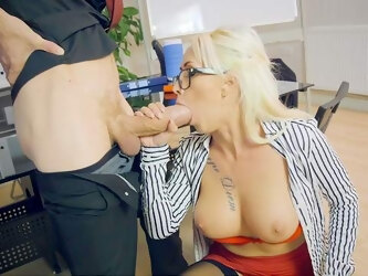 A real pleasure for the new guy to ass fuck his horny boss