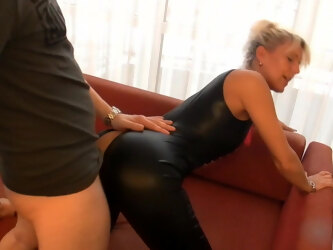 Blonde Milf Fucks Young Photographer