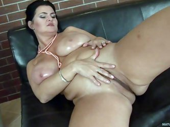 Big breasted chubby brunette Reny exposes her meaty pussy and massively big natural jugs. Thick middle aged lady shows every inch of her big body with