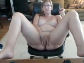 I love watching my Nerdy, pretty fat and slutty wife. As she is so perverted I often use my web camera to make these homemade masturbation videos of h