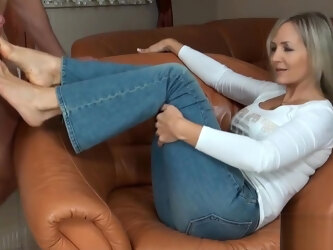 Ala gives foot job to slave/husband with her sweet bare feet. part 1