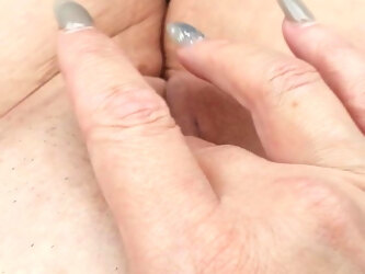 Rubbing Pussy To Orgasm In Car