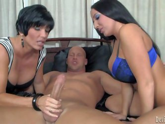 Milf Shay Fox and her daughter Richelle Ryan are two raven haired ladies that love cock sucking. They give head to luckiest man together. Experienced