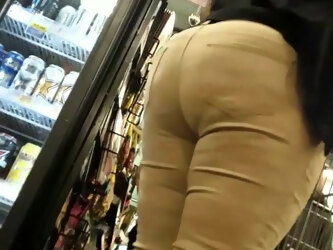 Ebony Mature big booty in jeans VPL, suspicious.