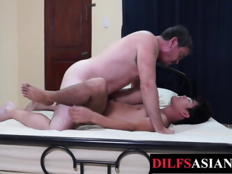 Twink asian bareback by daddy after oral 69