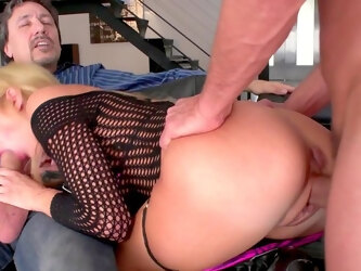 Mommy gets her tight holes ruined and jizzed