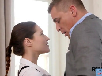 RIM4K. Coquettish wife knows how to calm down her angry husband